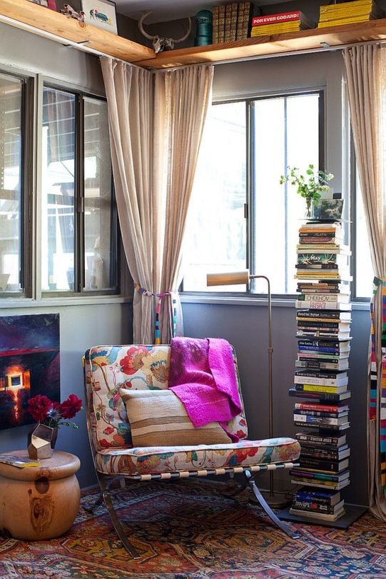 Smart-way-to-stack-up-the-books-in-the-reading-nook